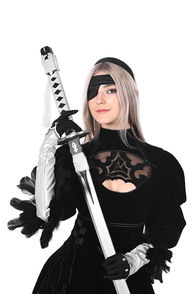 Foto Mädchens Eva Elfie Piraten iStripper Schwert Hand Weißer hintergrund Cosplay Blondine Handschuh  für Handy junge frau junge Frauen Blond Mädchen