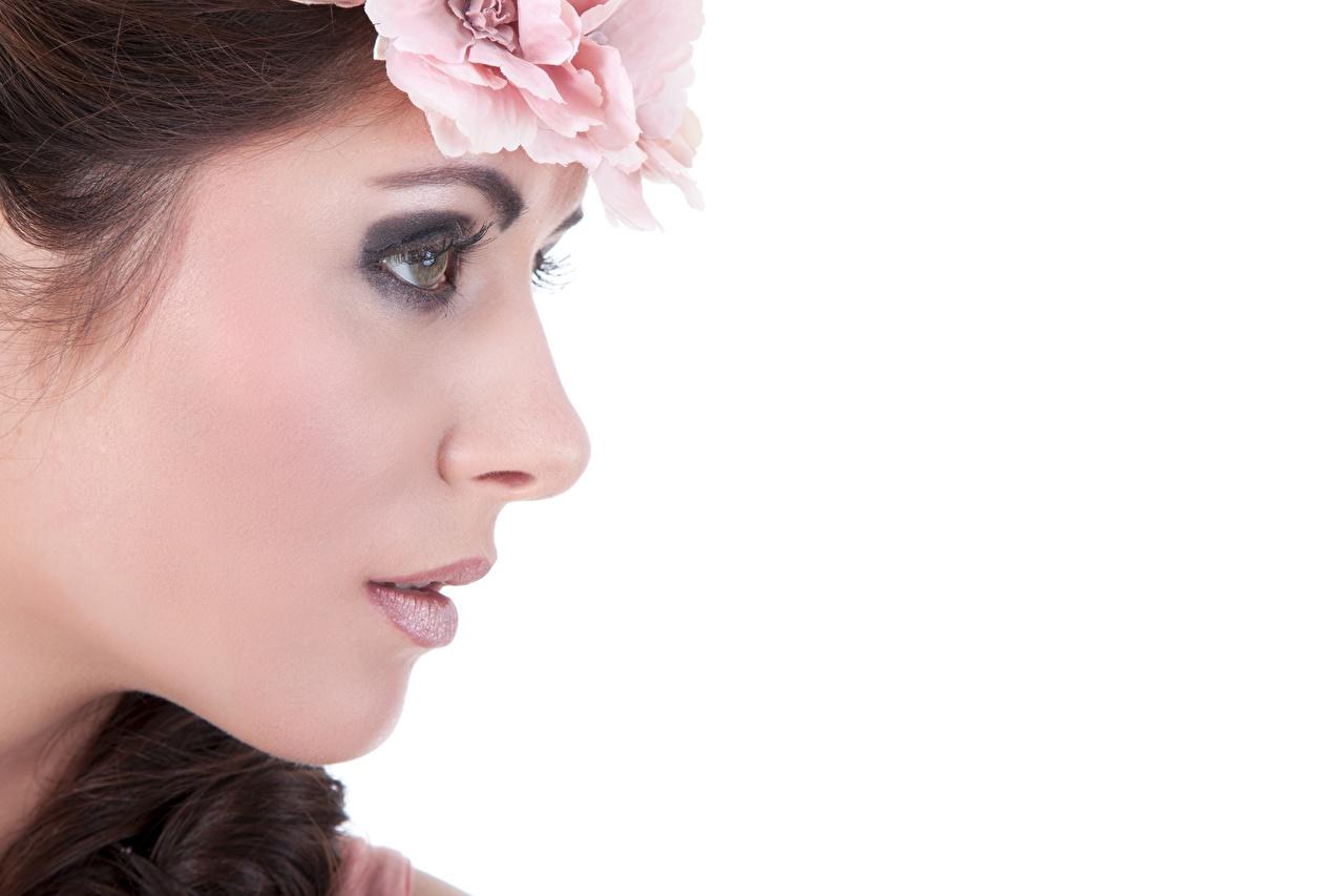 Bakgrunnsbilder til skrivebordet Modell Sminke Krans Andlet ung kvinne Hvit bakgrunn make-up Ansikt Unge kvinner
