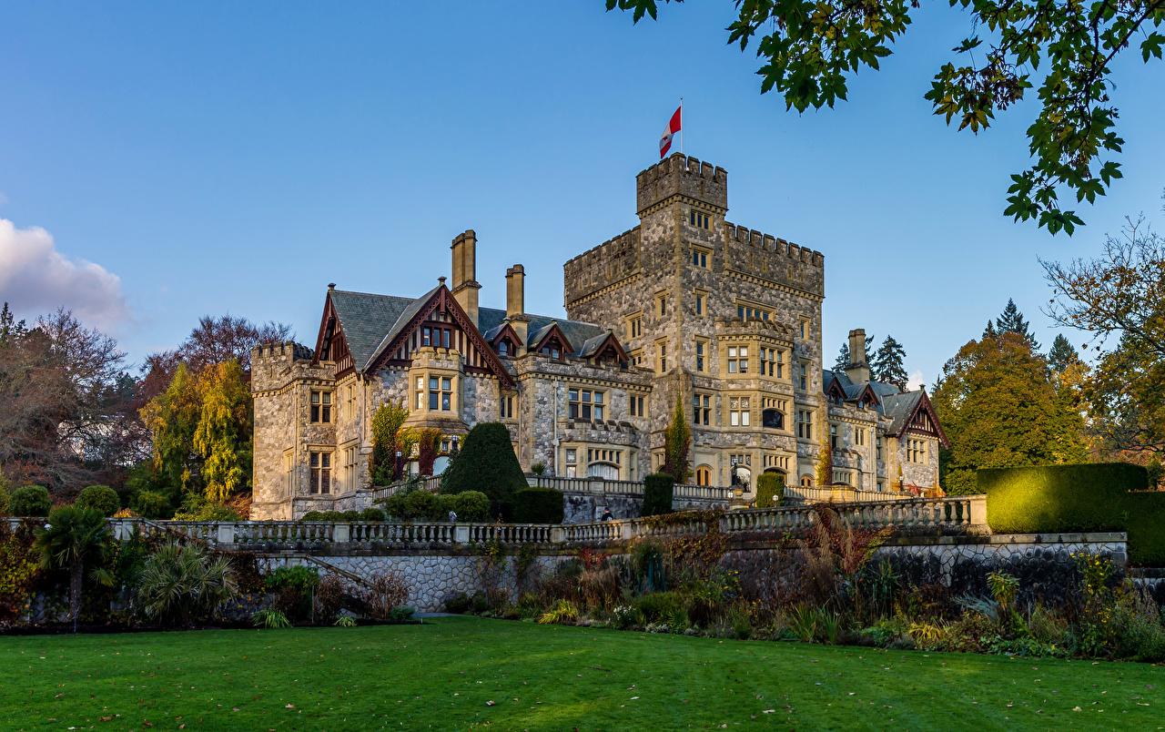 Bilder von Kanada Hatley Castle Burg Zaun Rasen Städte