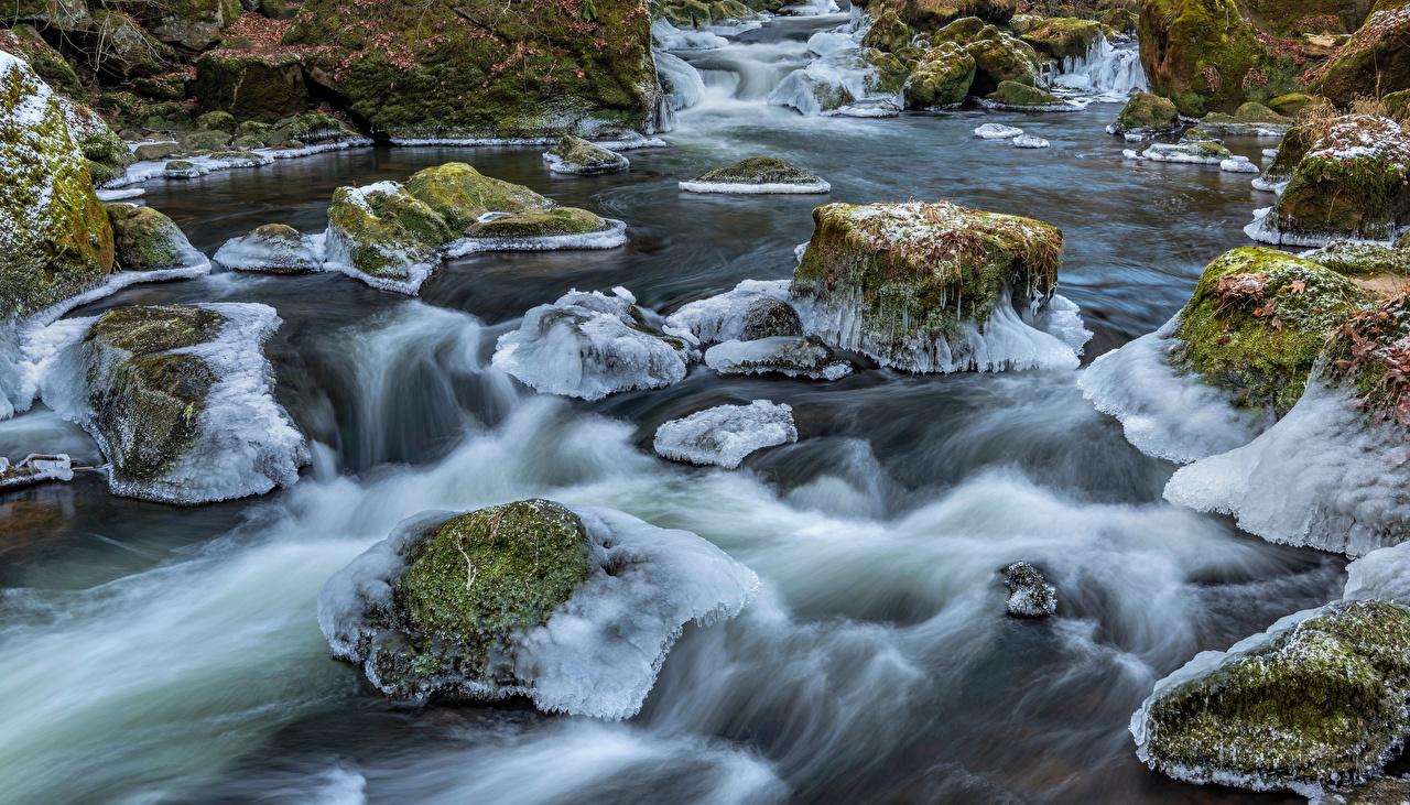 Fotos von Deutschland South-Eifel Eis Natur Flusse Steine Laubmoose Stein Fluss