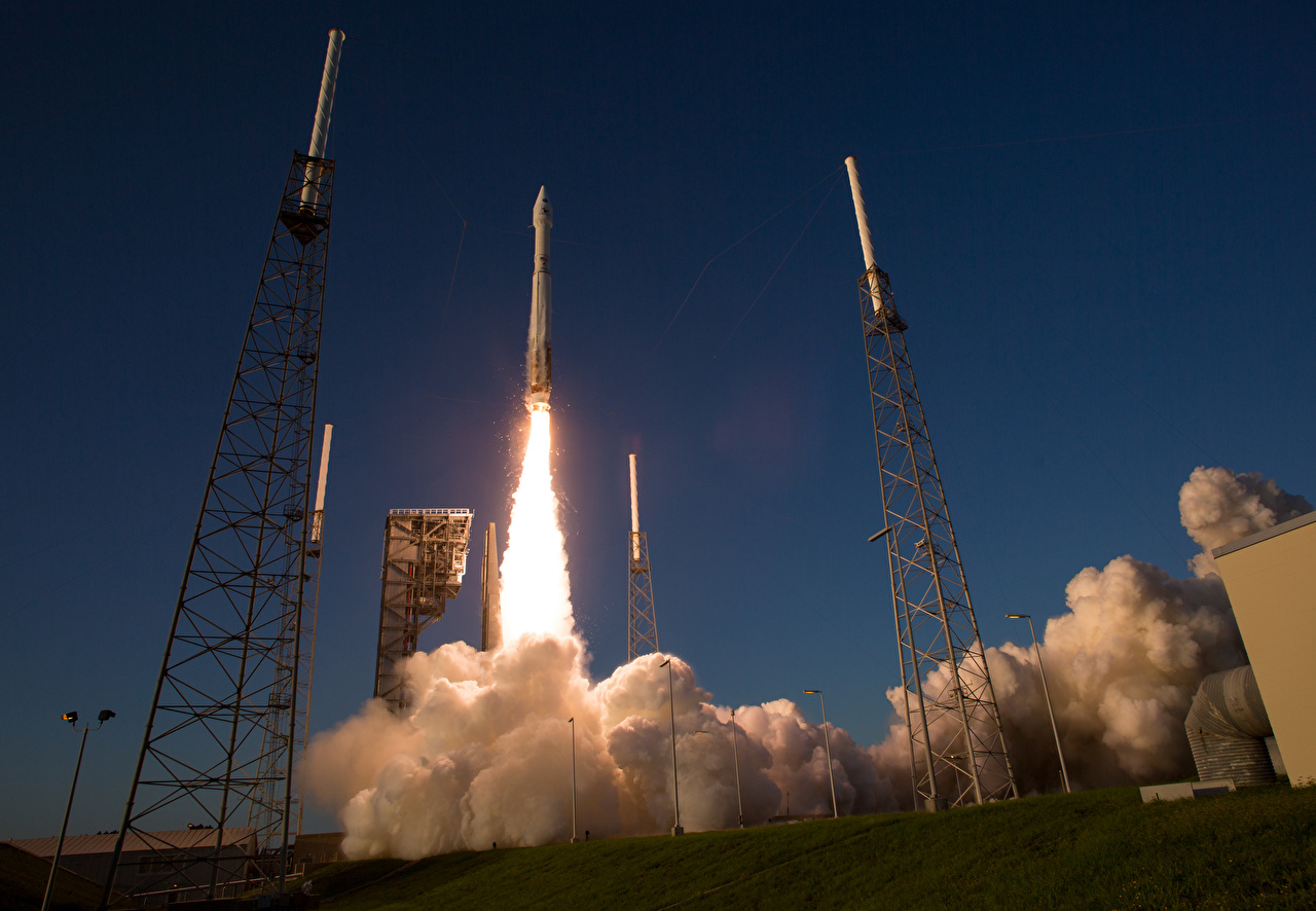 Fotos starten Start Rakete Atlas V Flug Rauch abheben Start Luftfahrt