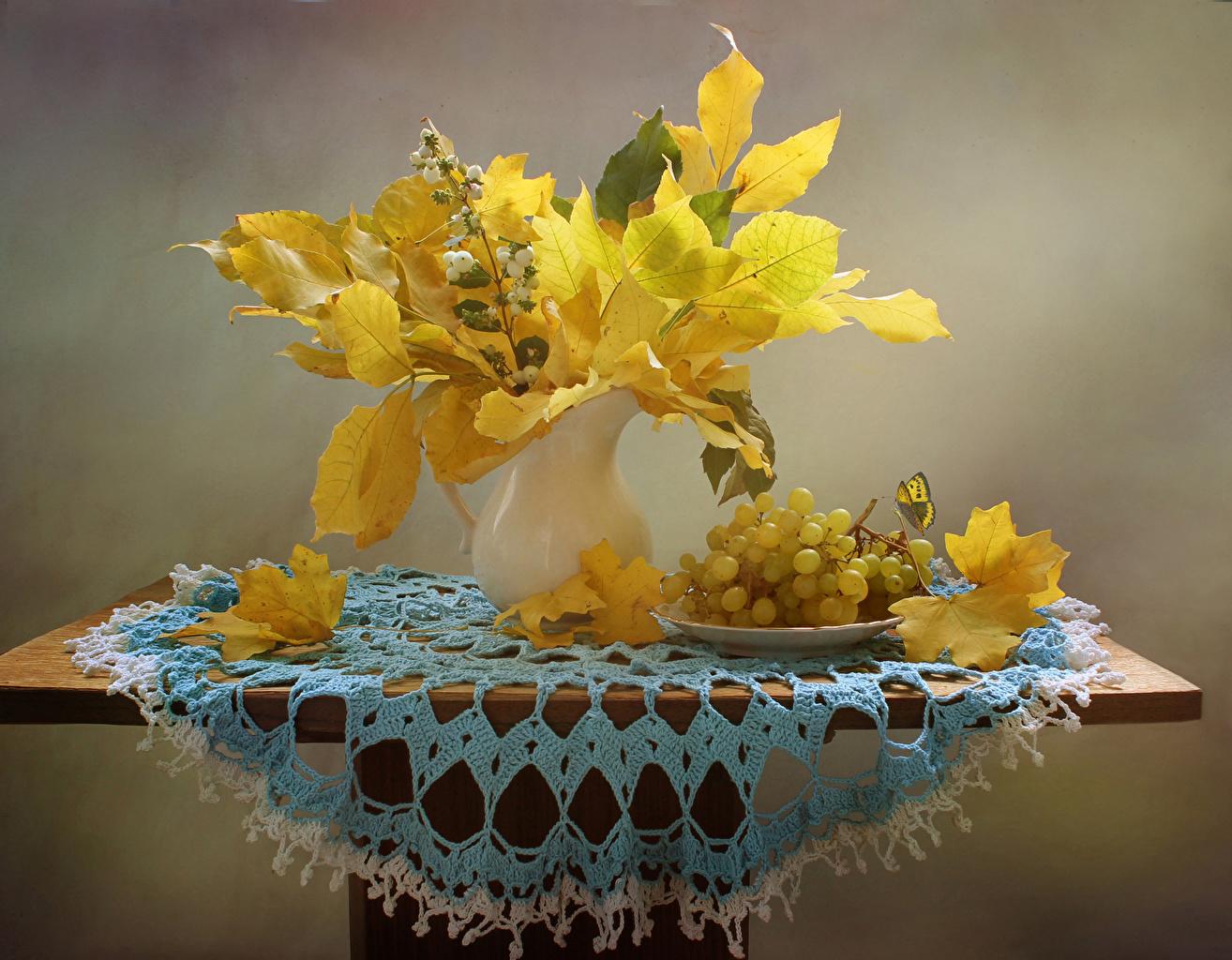 、秋、ブドウ、花瓶、木の葉、テーブル、食品