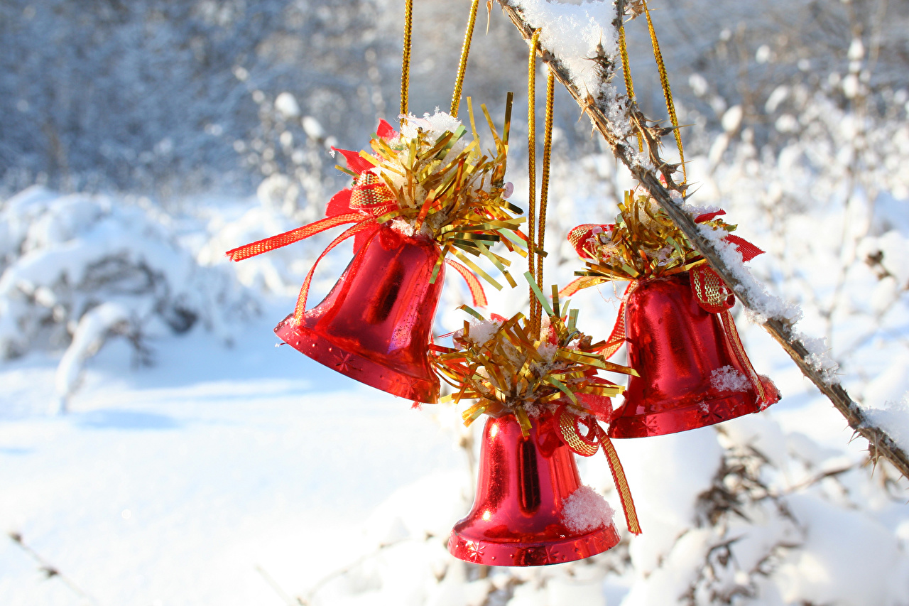 Pictures New year Red Snow Three 3 Handbell Christmas Bells