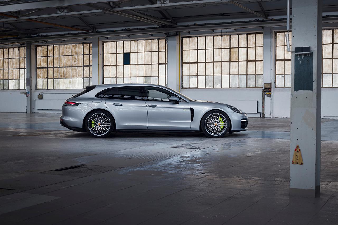 Fotos Porsche Panamera 4 E-Hybrid Sport Turismo, 2020 Silber Farbe Autos Seitlich Metallisch auto automobil