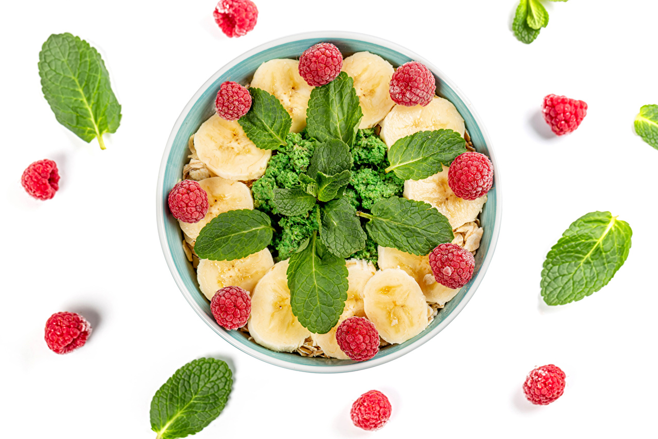 Desktop Wallpapers Foliage Bananas Raspberry Food Plate White background Leaf