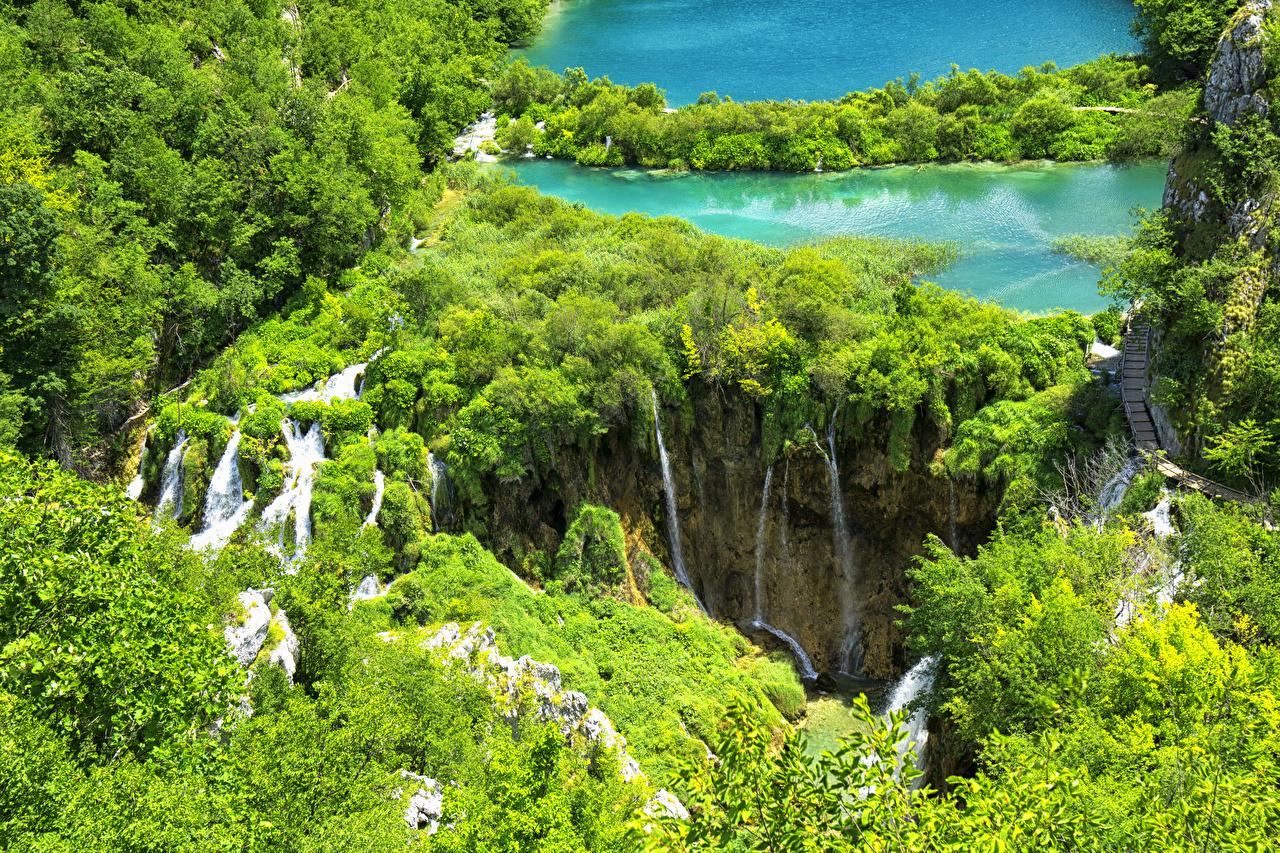 Sfondi del desktop Croazia Plitvice Lakes National Park Natura Cascate Lago Parco Vista dall'alto Cespugli cascata parchi Arbusti