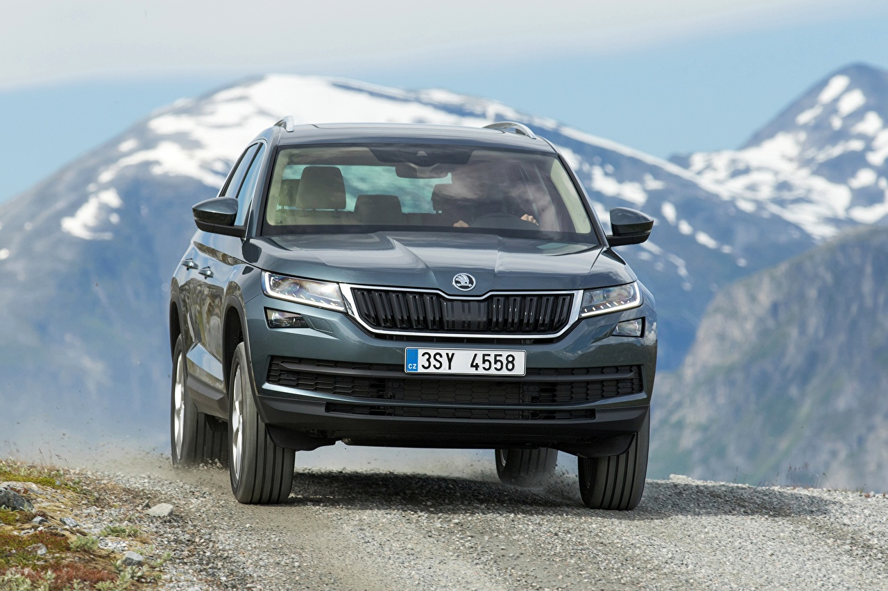 Desktop Wallpapers Skoda CUV Kodiaq, 2016 Motion Cars Metallic Crossover moving riding driving at speed auto automobile