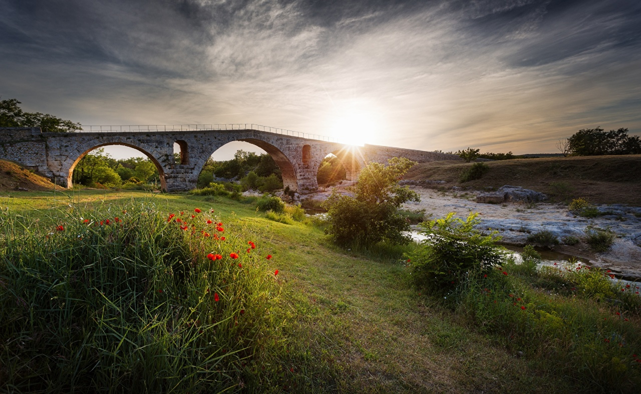 Wallpaper Nature Bridges Streams Poppies sunrise and sunset Grass Creek brook bridge Stream Creeks papaver Sunrises and sunsets