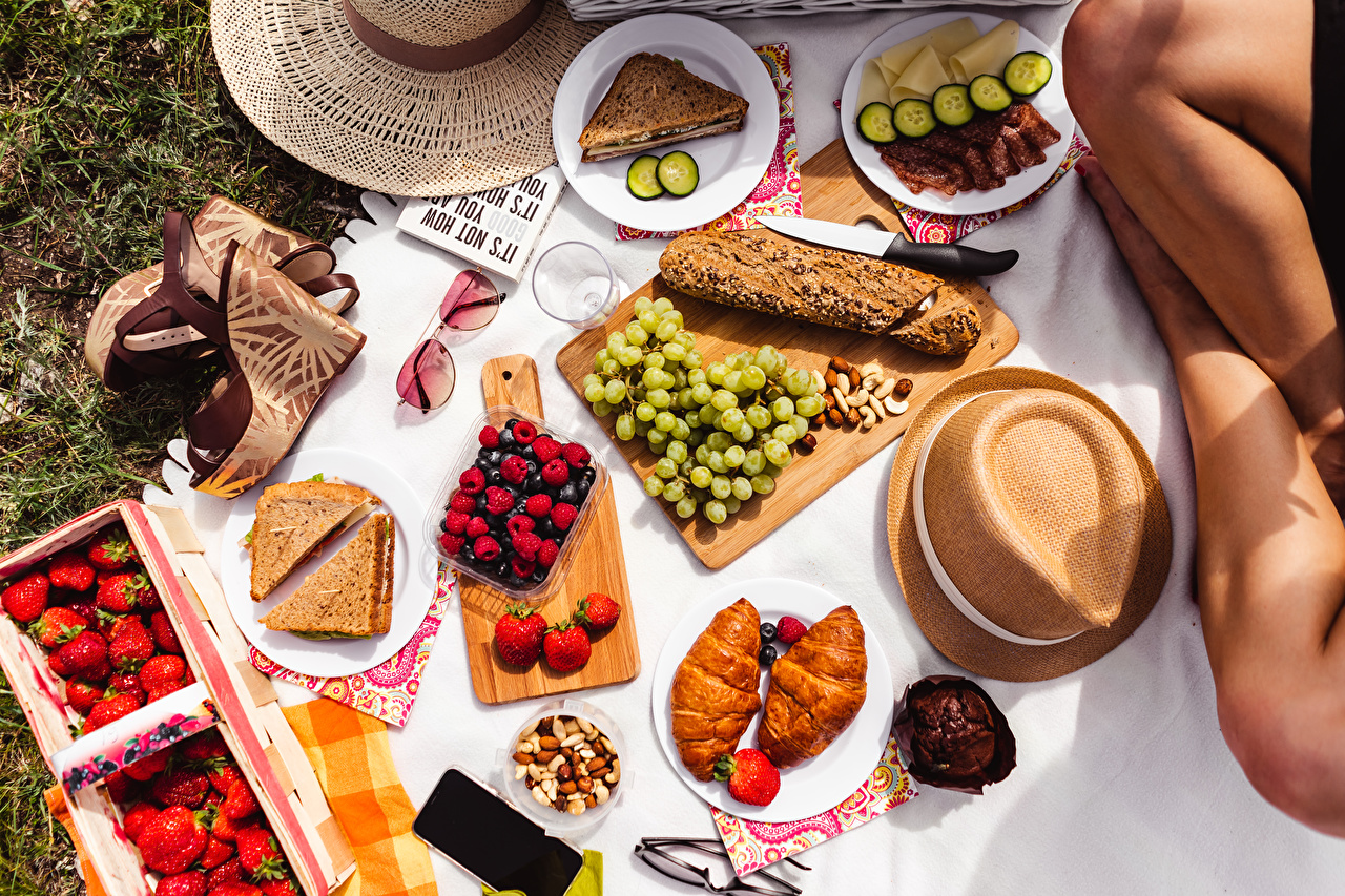 Desktop Wallpapers Picnic Knife Hat Croissant Bread Grapes Strawberry Food Plate Berry eyeglasses Sliced food Cutting board high heels Glasses Stilettos