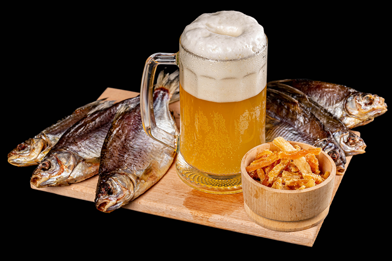 Pictures Beer Fish - Food Mug Foam Food Cutting board Black background