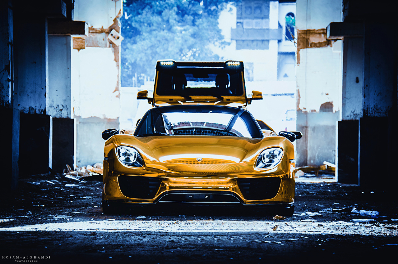 Images Porsche 918 Spyder Gold Color Cars Front 1280x851