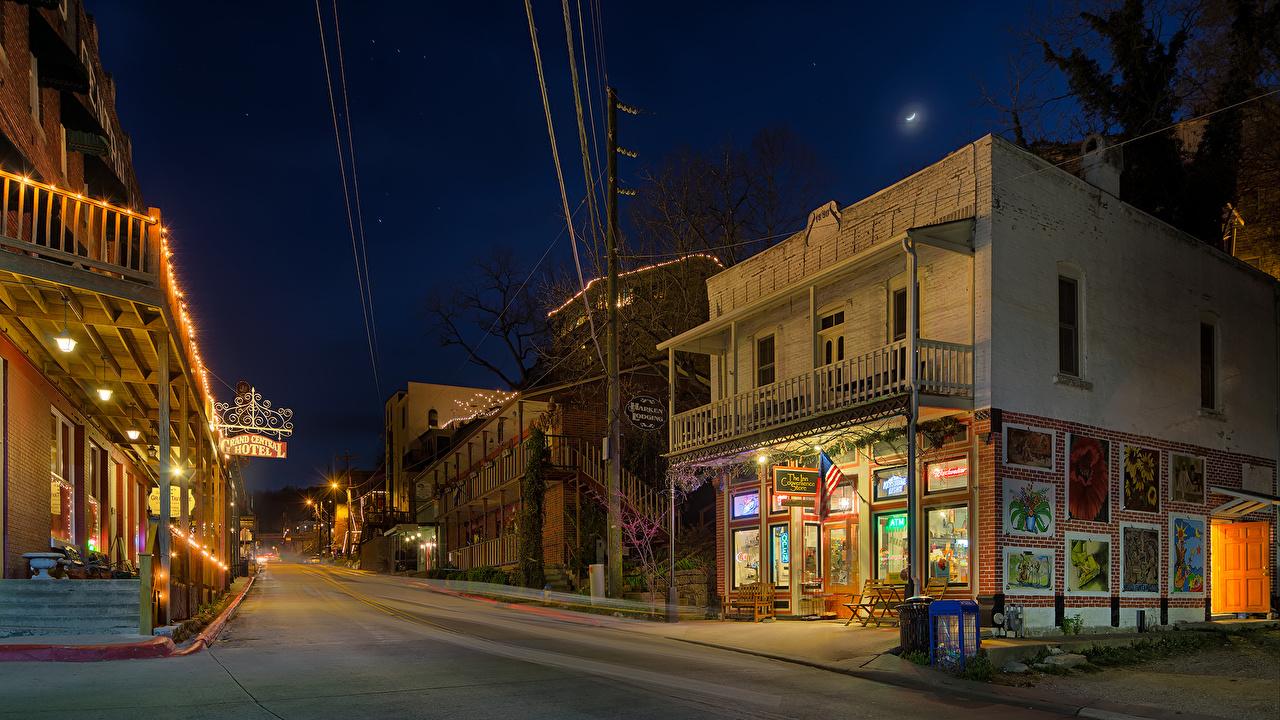 Immagine stati uniti Eureka Springs Arkansas Via della città Serata Lampioni Città La casa USA edificio