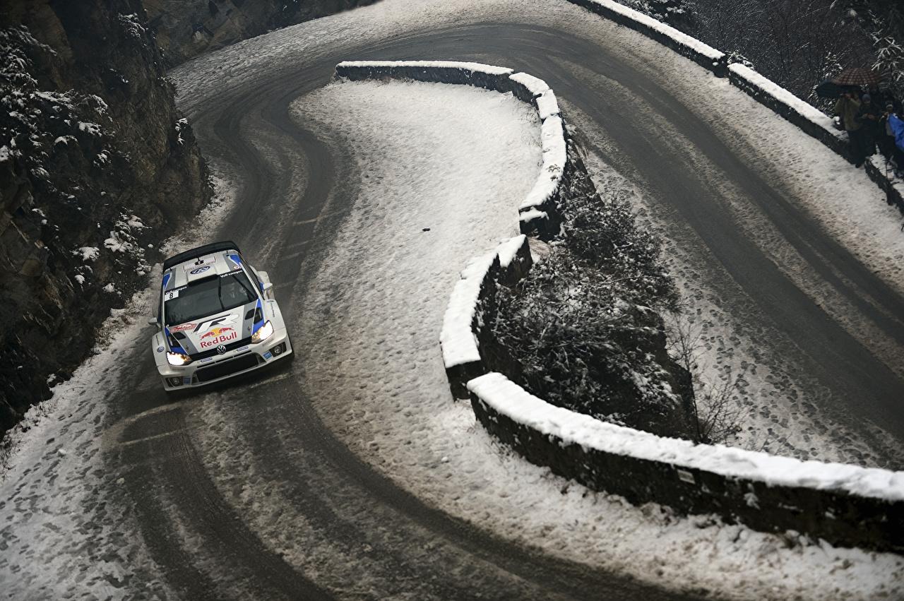 Fotos Volkswagen Rallye WRC Polo Red Bull Sport Winter Schnee Straße Autos Wege