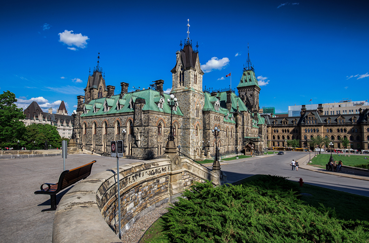 Photo Canada Tower Ottawa, Parliament Hill Lawn Street lights Cities Building towers Houses