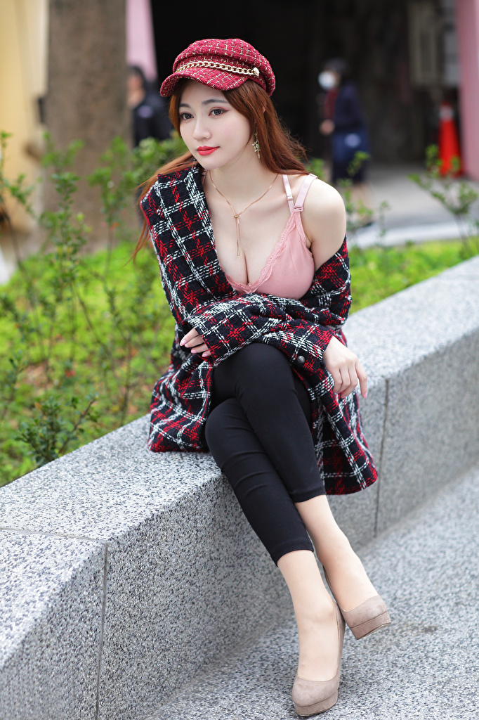 Pictures Brown haired young woman Asian Sleeveless shirt sit Baseball cap  for Mobile phone Girls female Asiatic Singlet Sitting