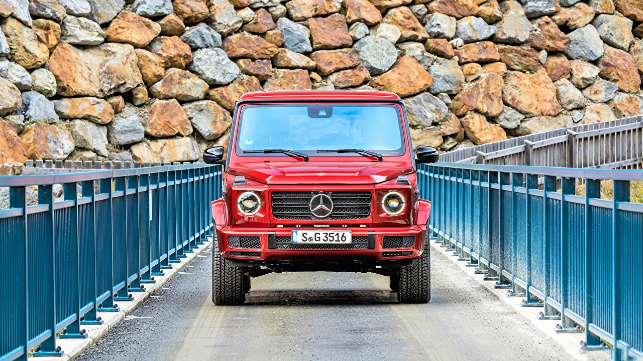 Mercedes-Benz_G-Class_G_350_d_AMG_Line_Front_Red_560322_1280x720.jpg