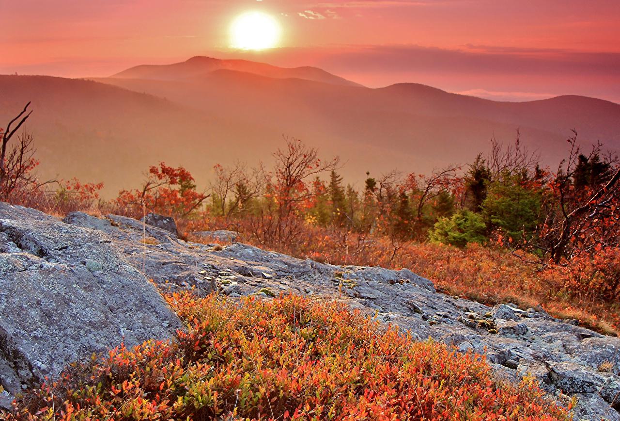 Sfondi del desktop Natura Il Sole Autunno Montagne alba e tramonto montagna Albe e tramonti
