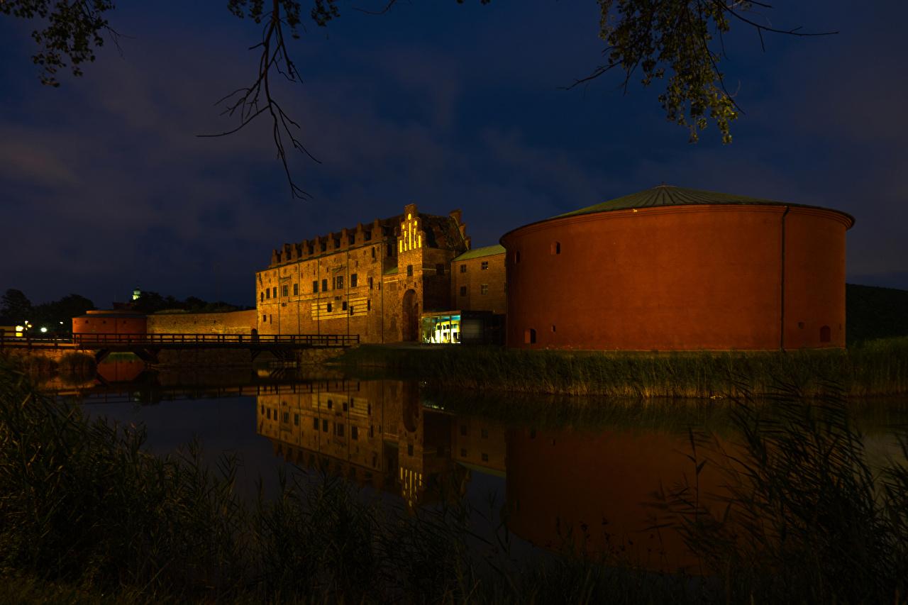 Hintergrundbilder Schweden Malmo Burg Brücken Nacht Flusse Städte
