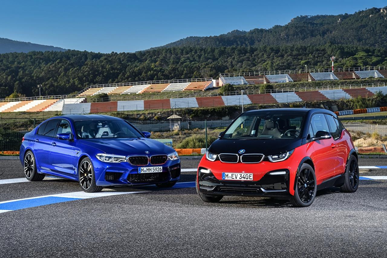 Photos BMW 2017-18 M5 and i3s 2 Metallic automobile Two Cars auto