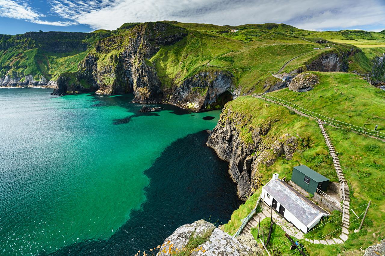 Bilder Vereinigtes Königreich Ballintoy, County Antrim, Northern Ireland Natur Felsen Gebirge Küste Von oben Berg