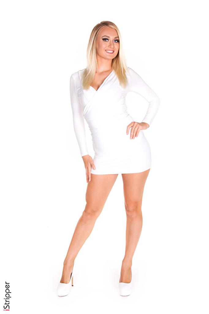 Foto Natalia Starr Blond Mädchen Lächeln iStripper Pose Weiß junge frau Bein Weißer hintergrund Kleid Stöckelschuh  für Handy Blondine posiert Mädchens junge Frauen High Heels