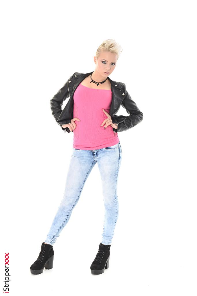 Foto Tricia Teen Ragazza bionda iStripper In posa giaccone giovane donna Jeans Le gambe Le mani Sfondo bianco  per Telefono cellulare Giacca ragazza Ragazze giubbotto giovani donne Braccia