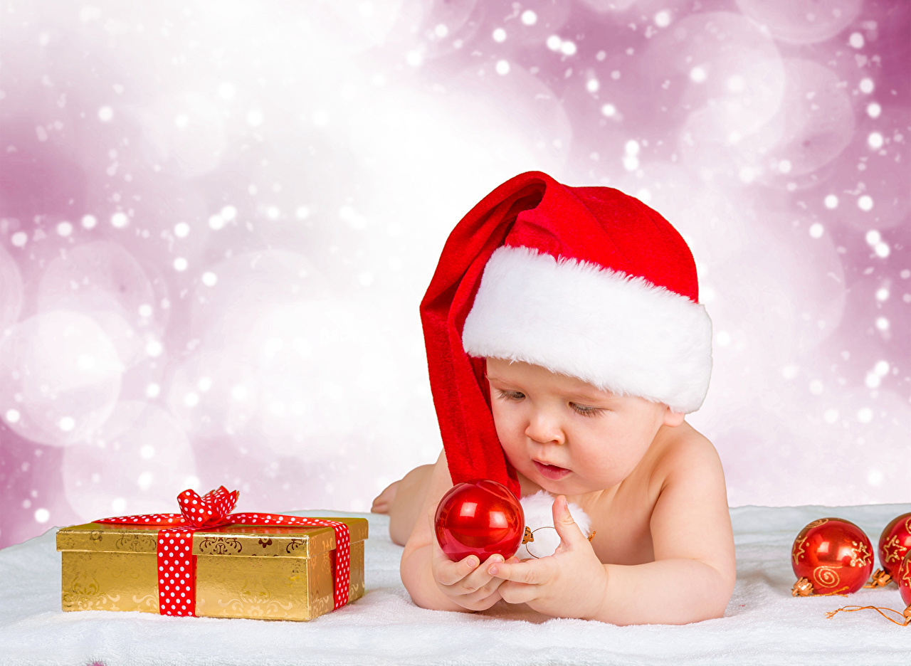 Pictures Infants Christmas child Winter hat Gifts Balls Holidays Baby newborn New year Children present