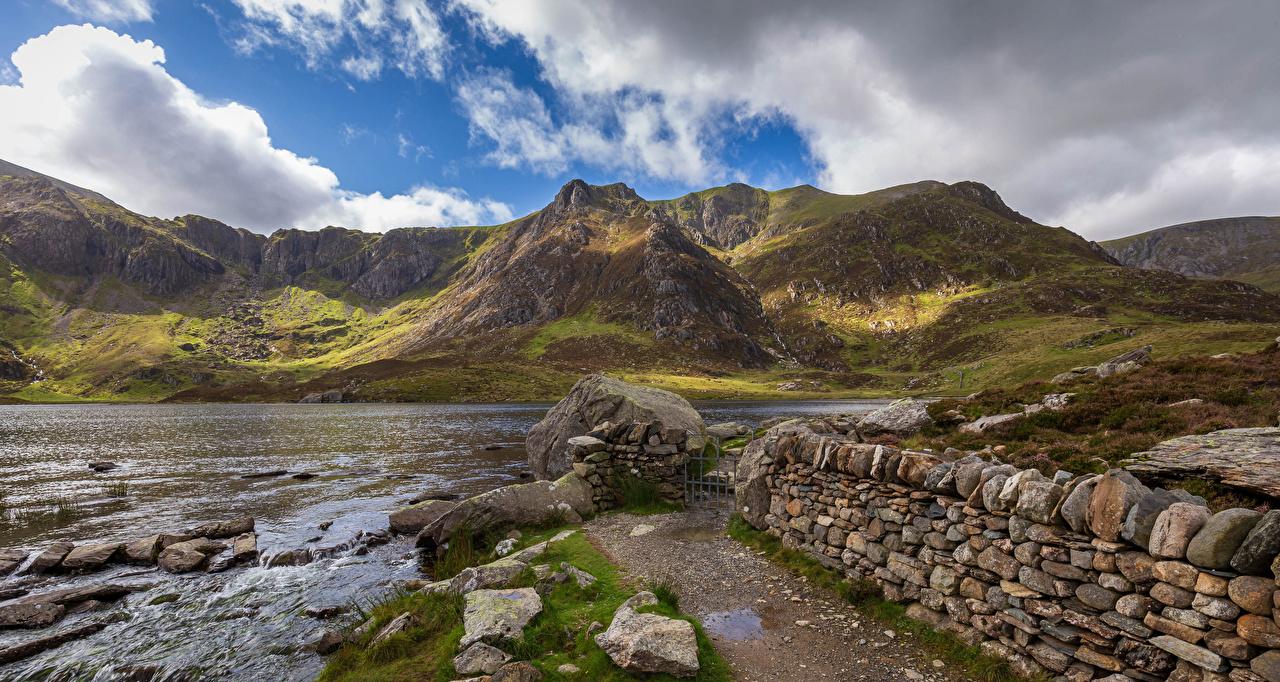 Картинки Уэльс Великобритания Snowdonia Природа речка Камень облачно река Реки Камни Облака облако
