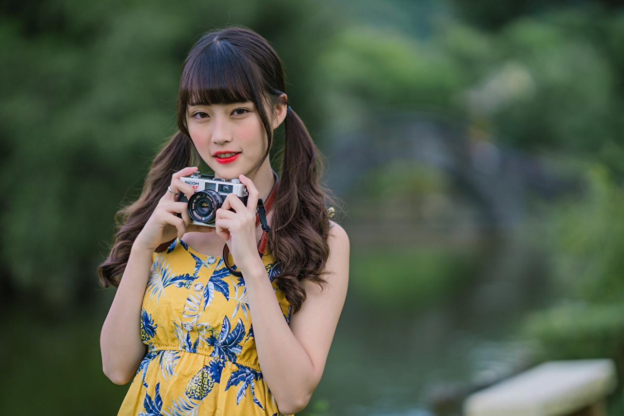 、アジア人、カメラ、手、凝視、ボケ写真、若い女性、少女、