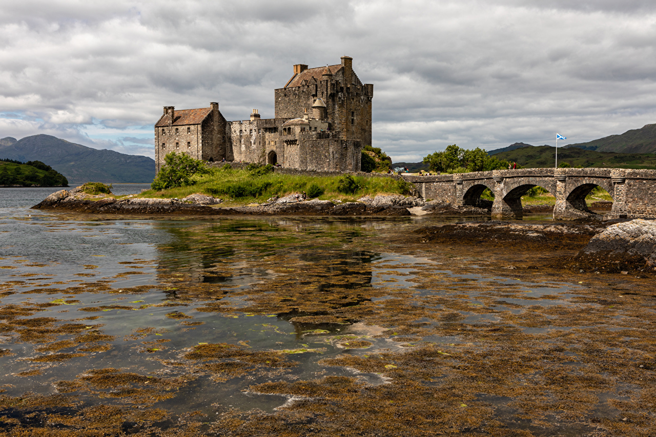 Picture Scotland Eilean Donan Castle Castles Bridges river Cities castle bridge Rivers