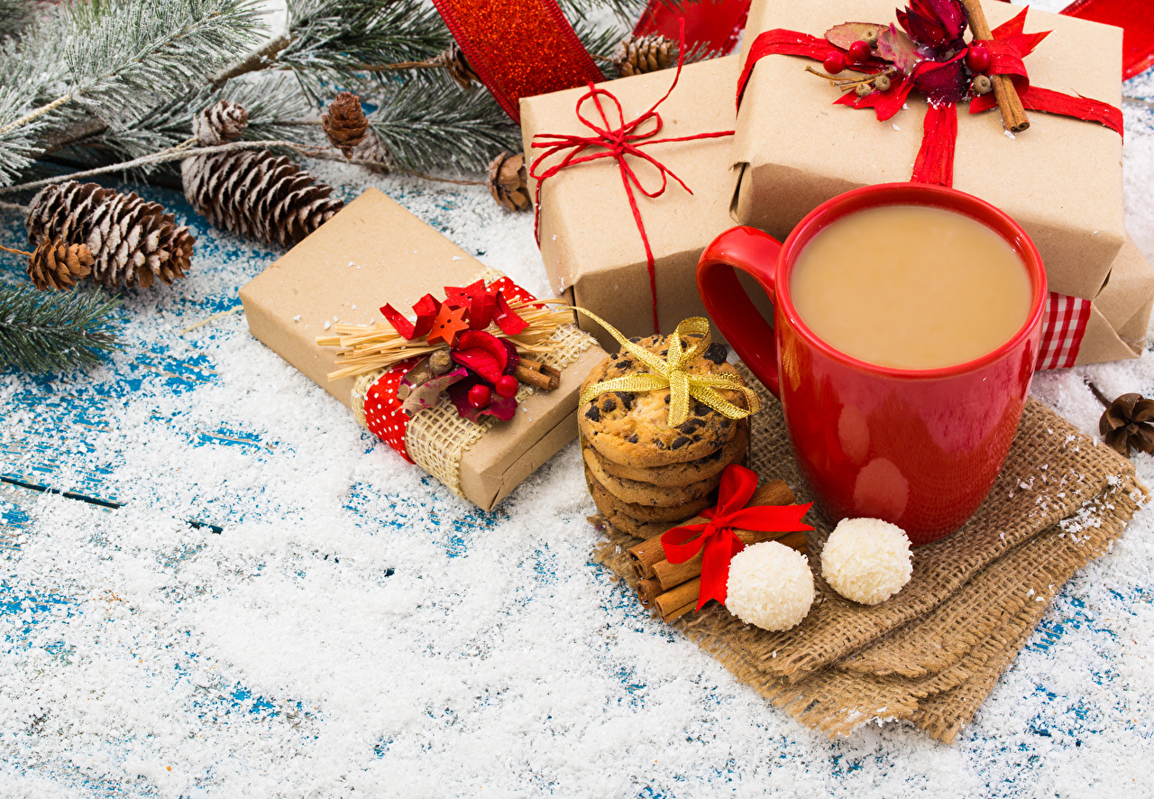 Photos New year Candy Coffee Gifts Cinnamon Cup Food Cookies bow knot Pine cone Christmas present Bowknot Conifer cone