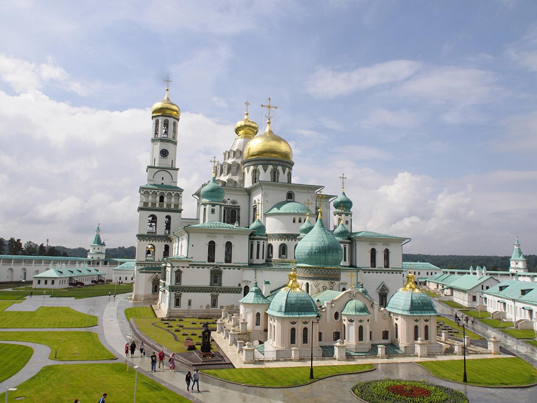 Fotos von Kirche Kloster Russland New Jerusalem Monastery Istra, Moscow region Tempel Straßenlaterne Städte Kirchengebäude