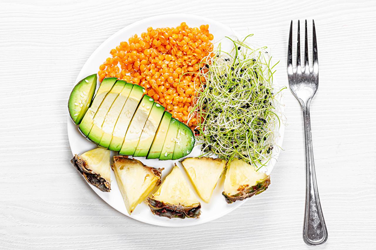 Bilder von Ananas Avocado Gabel Teller Gemüse das Essen Geschnitten Essgabel geschnittene Lebensmittel geschnittenes