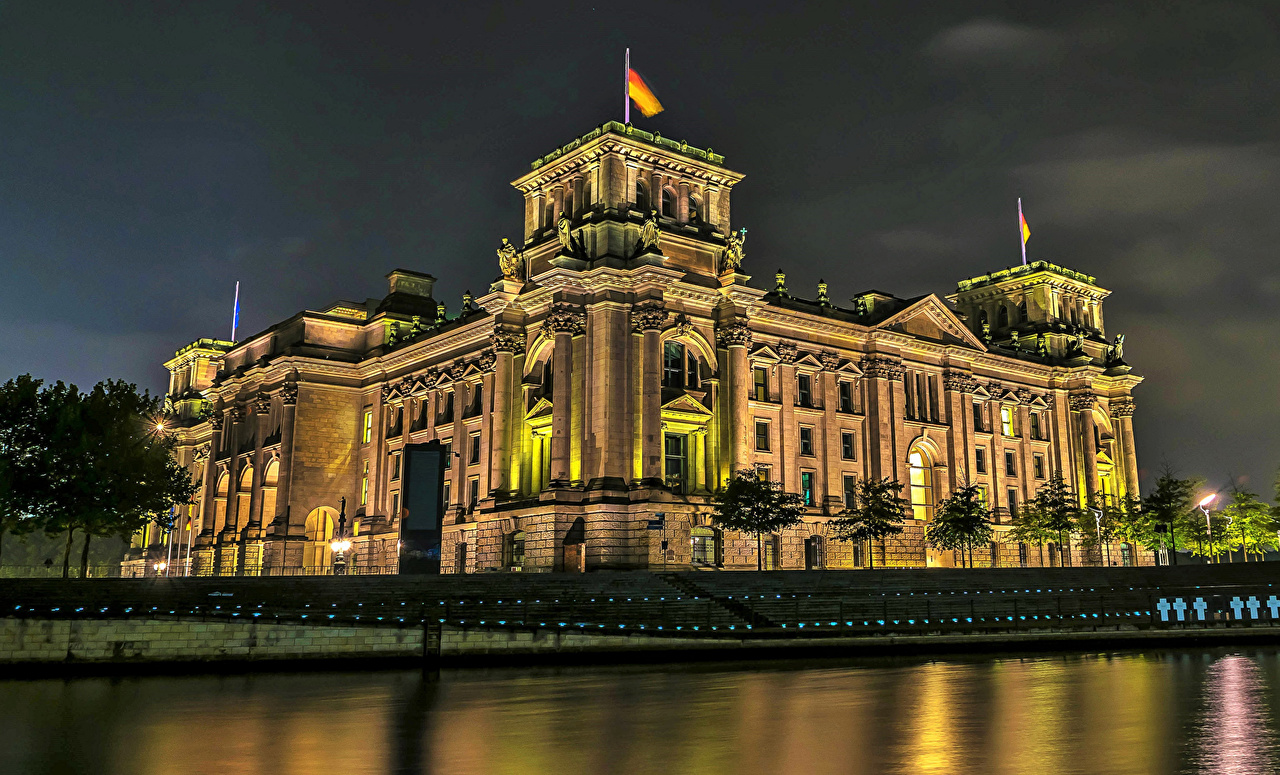Desktop Wallpapers Berlin Germany Reichstag Night Rivers Houses Cities river night time Building