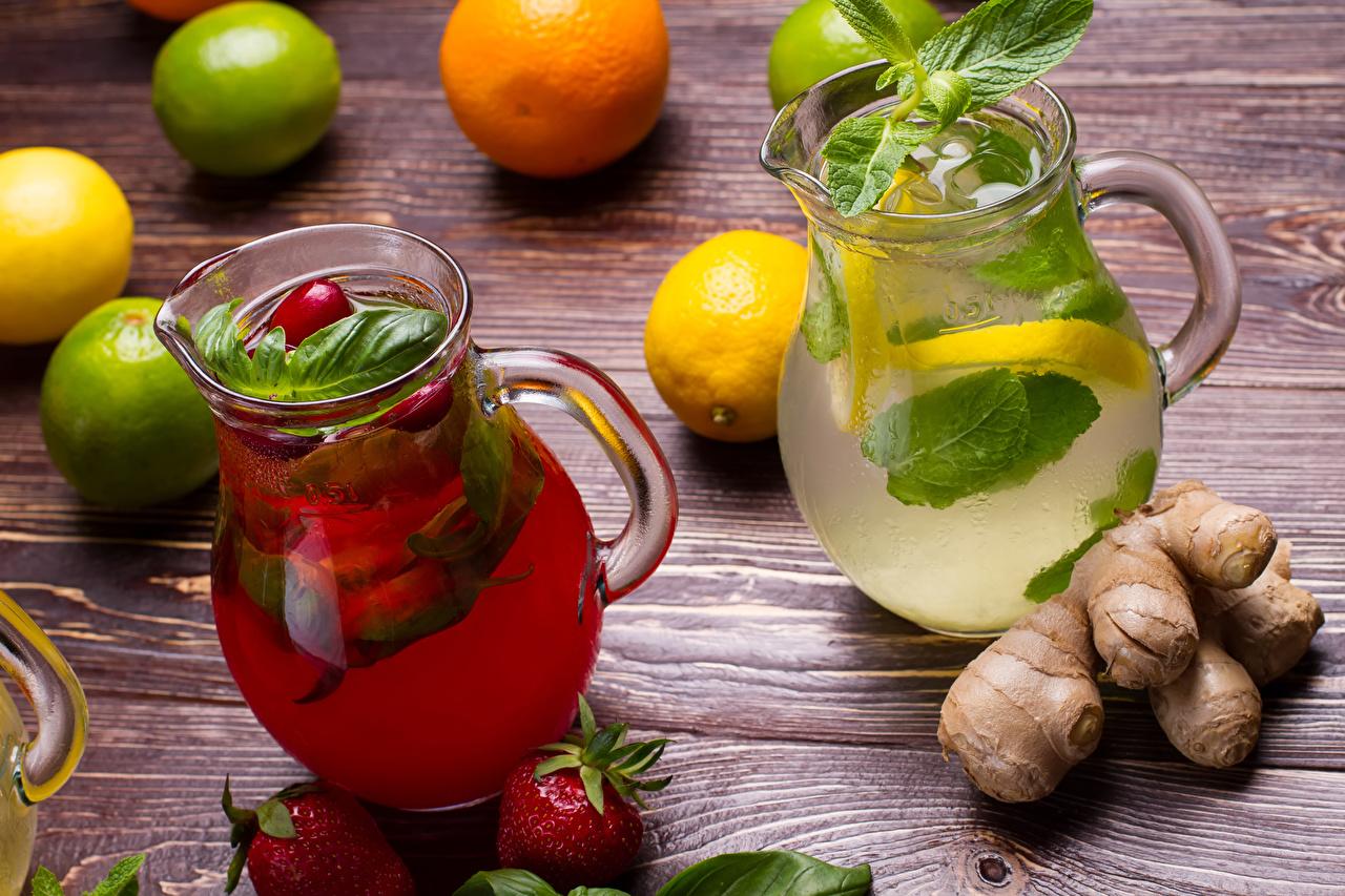 Desktop Hintergrundbilder Ingwer Limette Limonade kannen Zitronen Erdbeeren das Essen Bretter Getränke Kanne krüge Zitrone Lebensmittel Getränk