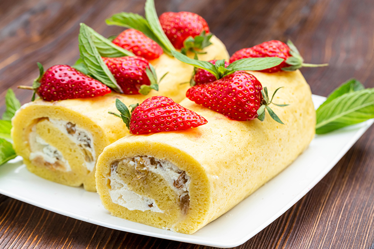 Image Swiss roll Strawberry Food Pastry roulade baking