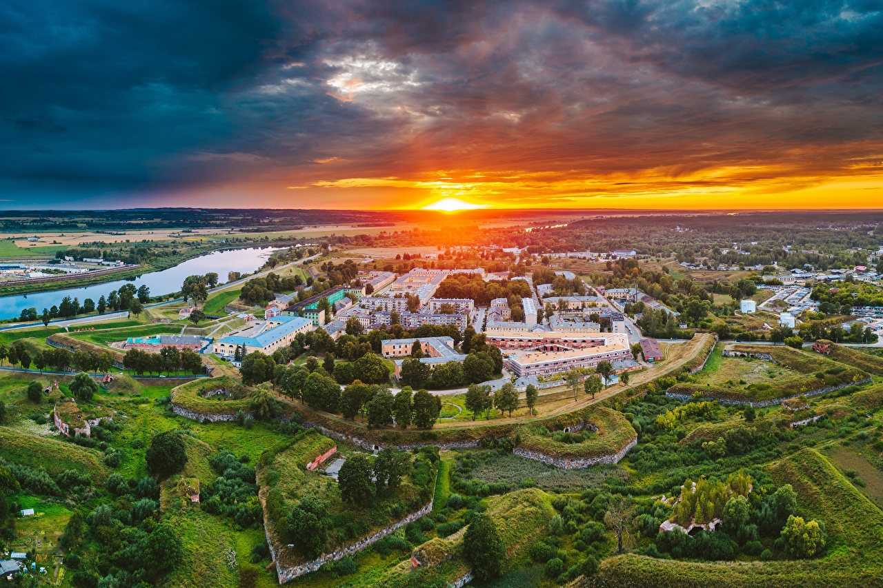 Images Latvia Daugavpils Sun Sunrises and sunsets From above Houses Cities sunrise and sunset Building