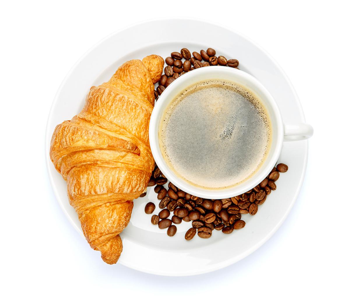 Desktop Hintergrundbilder Kaffee Croissant Cappuccino Getreide Tasse das Essen Weißer hintergrund Lebensmittel