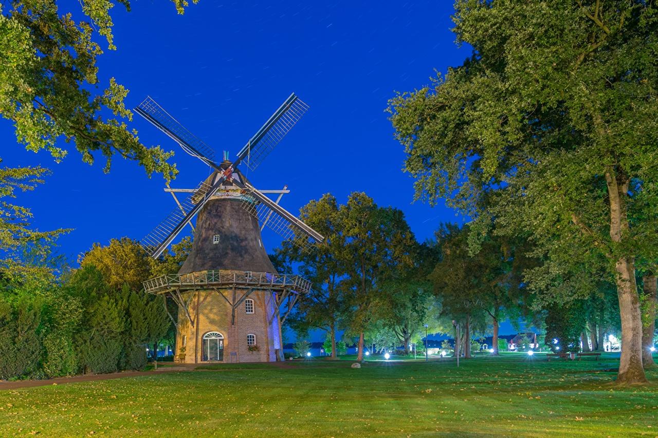 、ドイツ、夜、草、木、風車、都市、