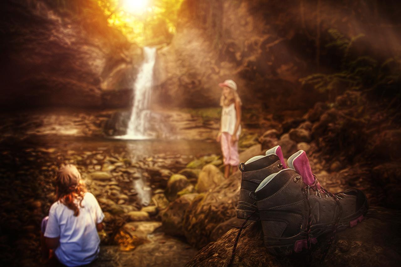 Immagine piccola ragazze Bambini Due 2 cascata Stivaletti Piccola ragazza bambino Cascate