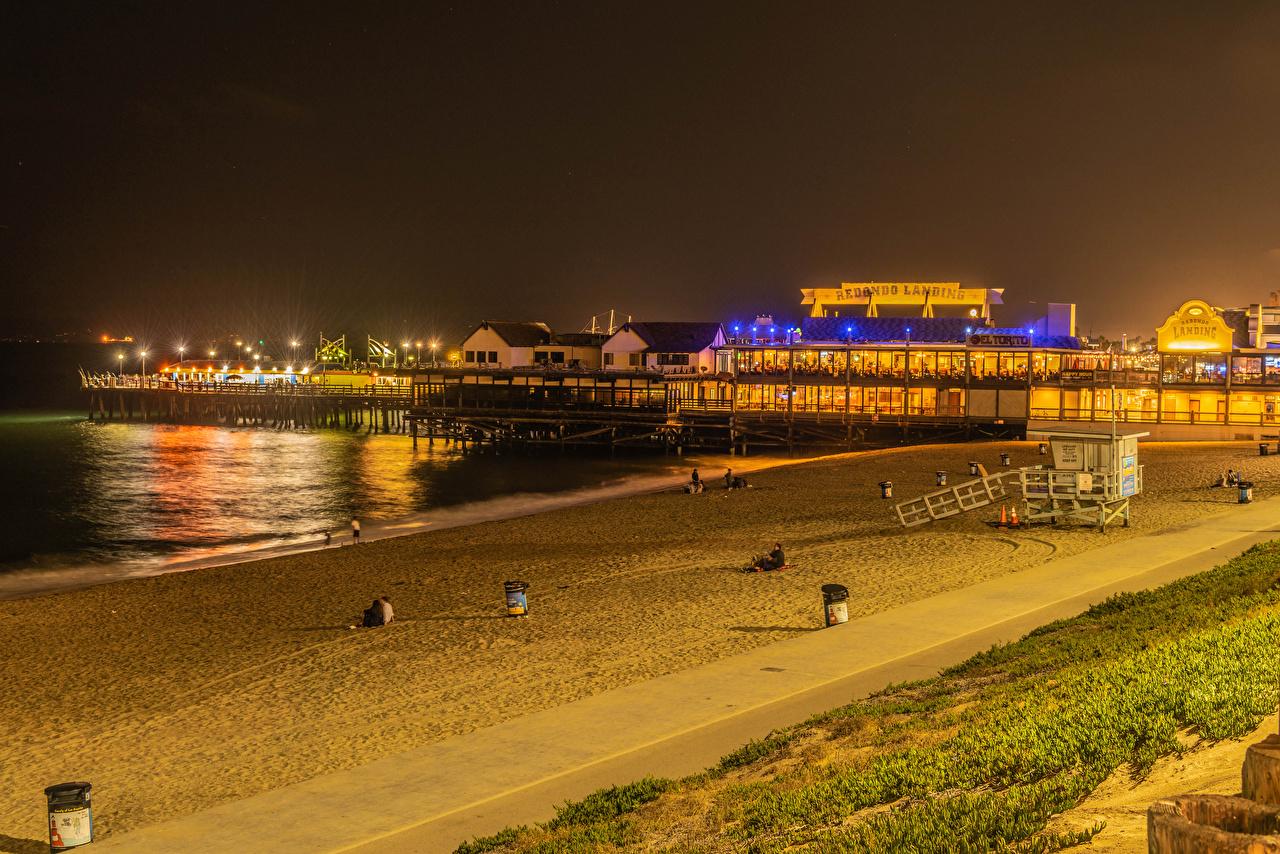 Fotos Kalifornien Vereinigte Staaten Redondo Beach Strand Natur Nacht Küste Schiffsanleger Haus USA Strände Bootssteg Seebrücke Gebäude