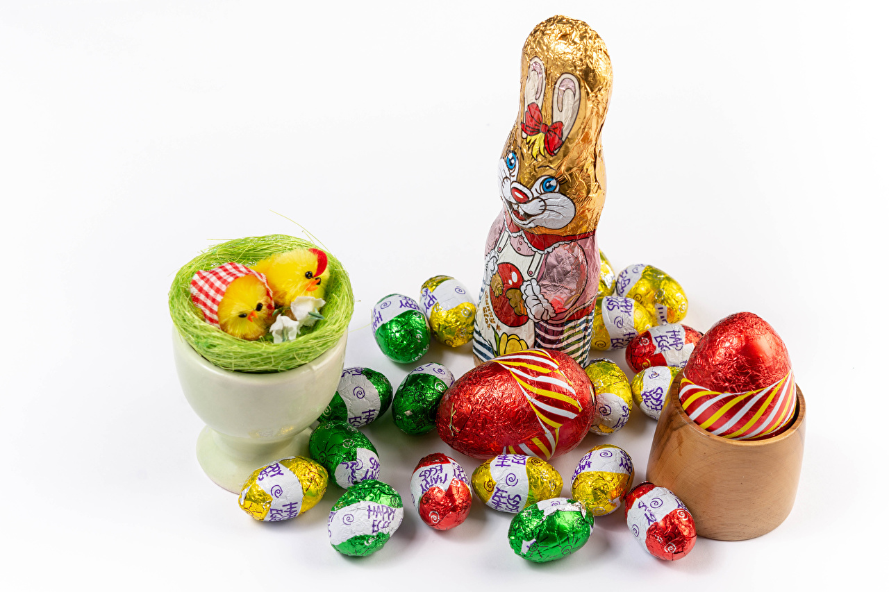 Photos Easter rabbit Chicks egg Food Sweets White background Rabbits Eggs confectionery