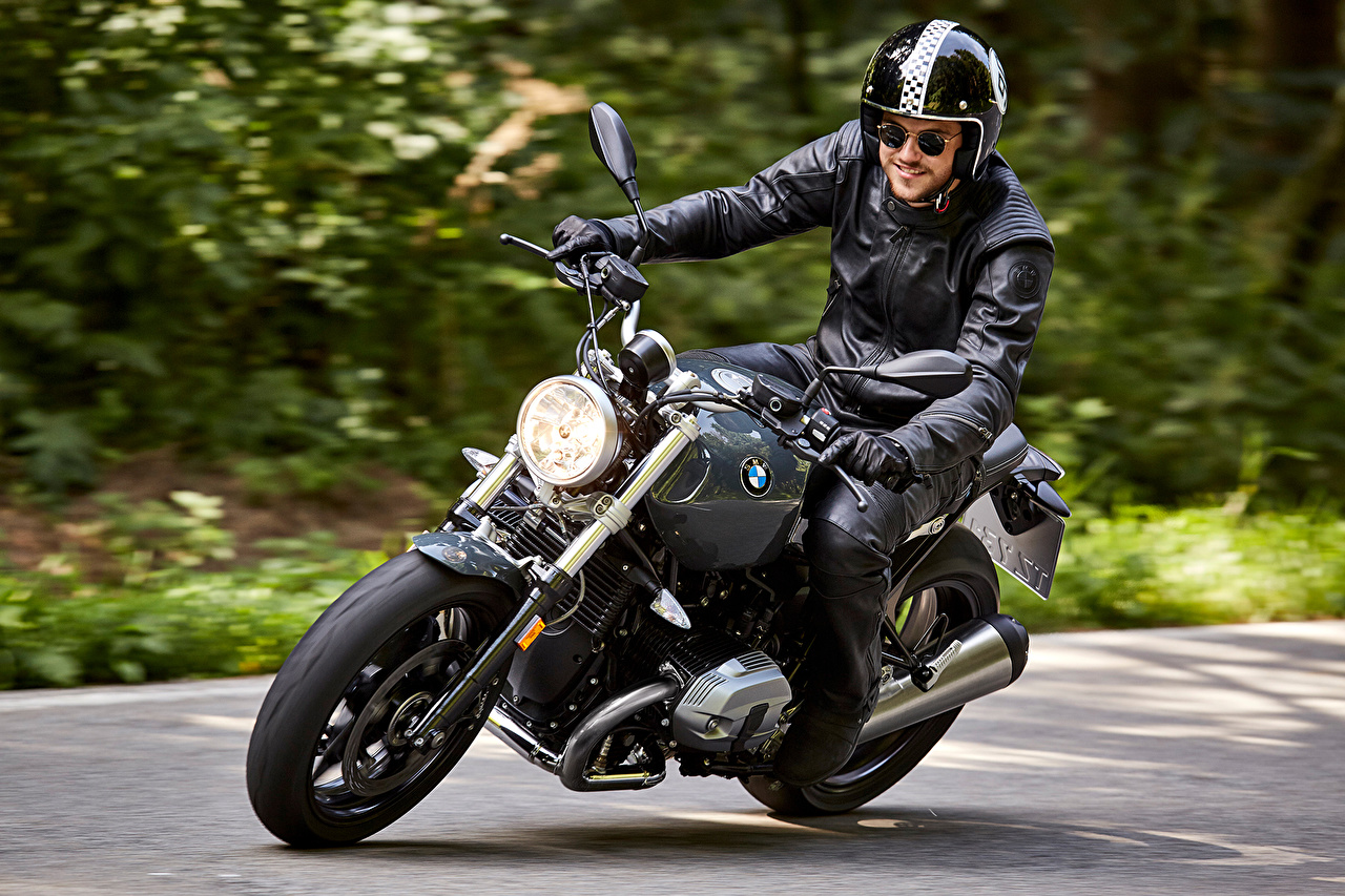 Desktop Wallpapers BMW - Motorcycle Helmet 2016 R nineT Pure motorcycle at speed Motorcyclist Glasses Motorcycles moving riding Motion driving eyeglasses