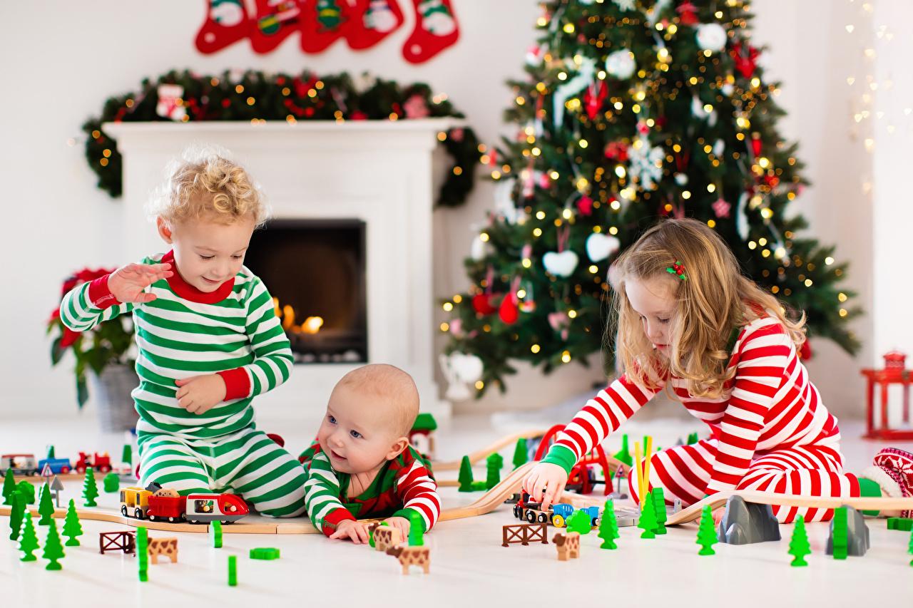 Bilder Kleine Mädchen Baby Junge Neujahr Kinder Drei 3 Spielzeuge Säugling
