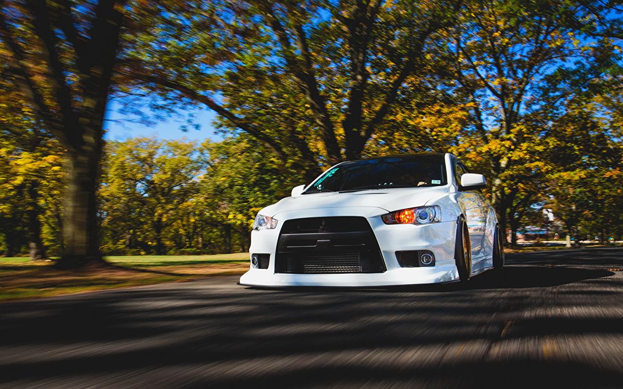 Desktop Wallpapers Mitsubishi Lancer Evo X White Riding Auto