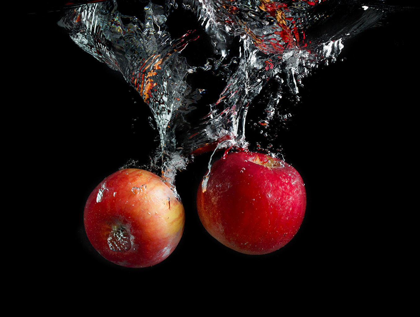 Images Water bubbles 2 Apples Food Water Black background Two