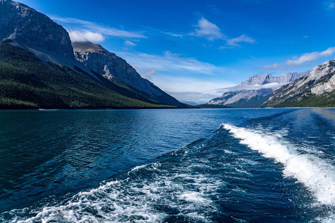 壁紙 カナダ 山 湖 波 Lake Minnewanka 自然 ダウンロード 写真