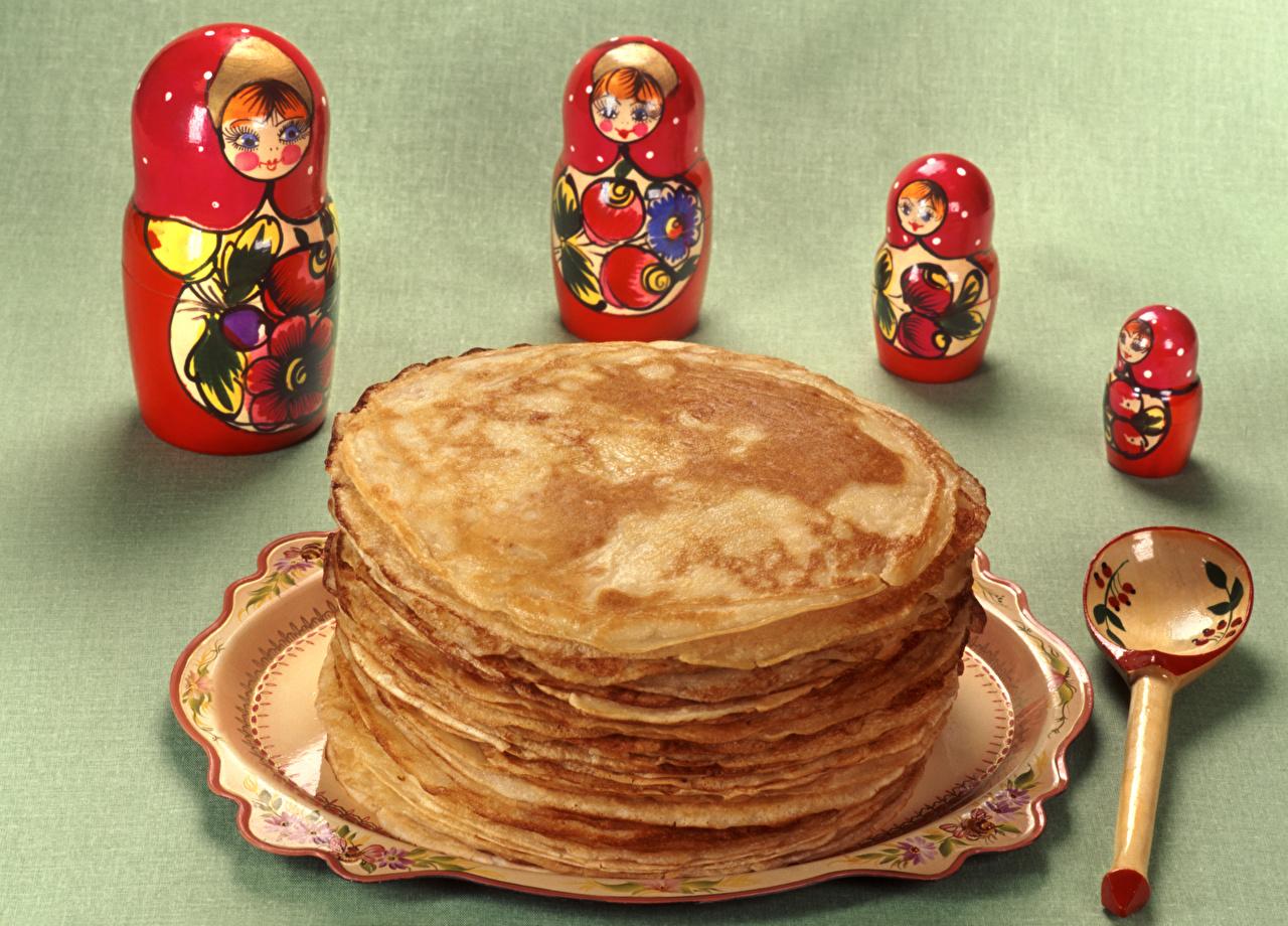 Bilder von Eierkuchen Matrjoschka Löffel Lebensmittel das Essen