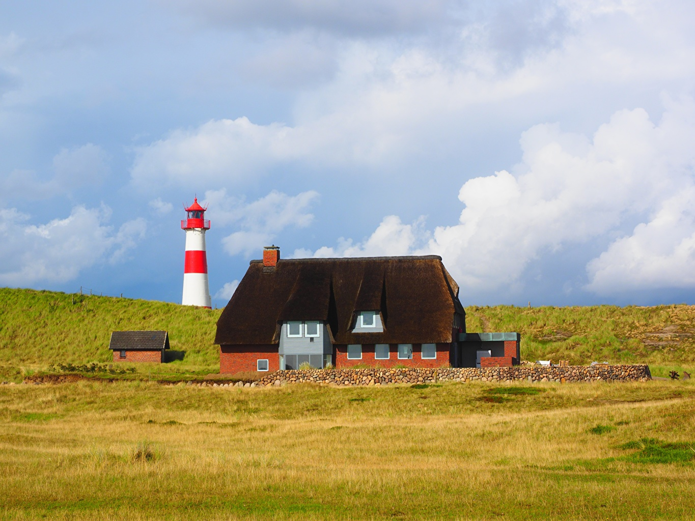 Desktop Wallpapers Germany List-Ost Beacon, island Sylt Nature Lighthouses Grass Building Houses
