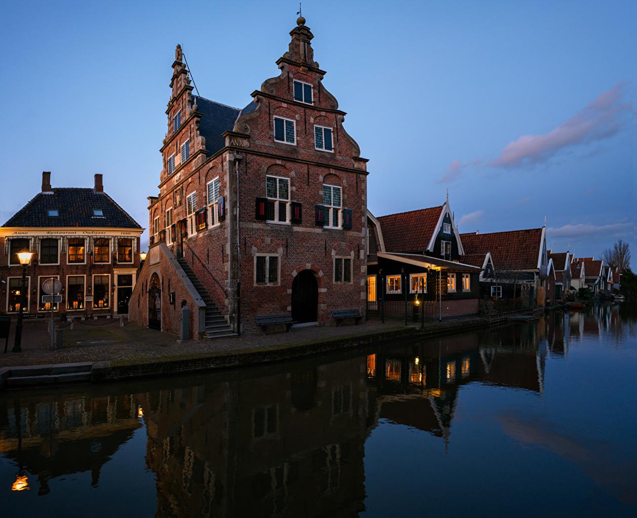 Tapeta na pulpit Holandia De Rijp rzeka Wieczór Domy Miasta Rzeki miasto budynki budynek